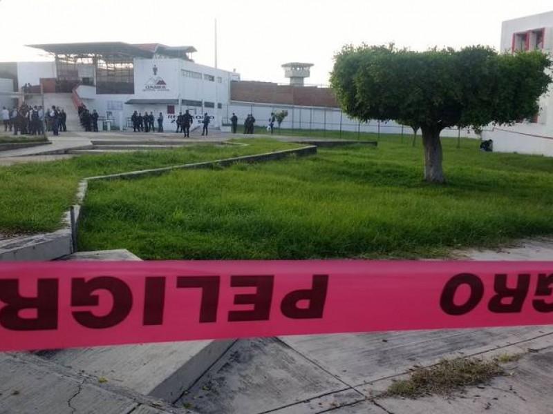 Custodios vinculados por fuga de reos en Jalisco