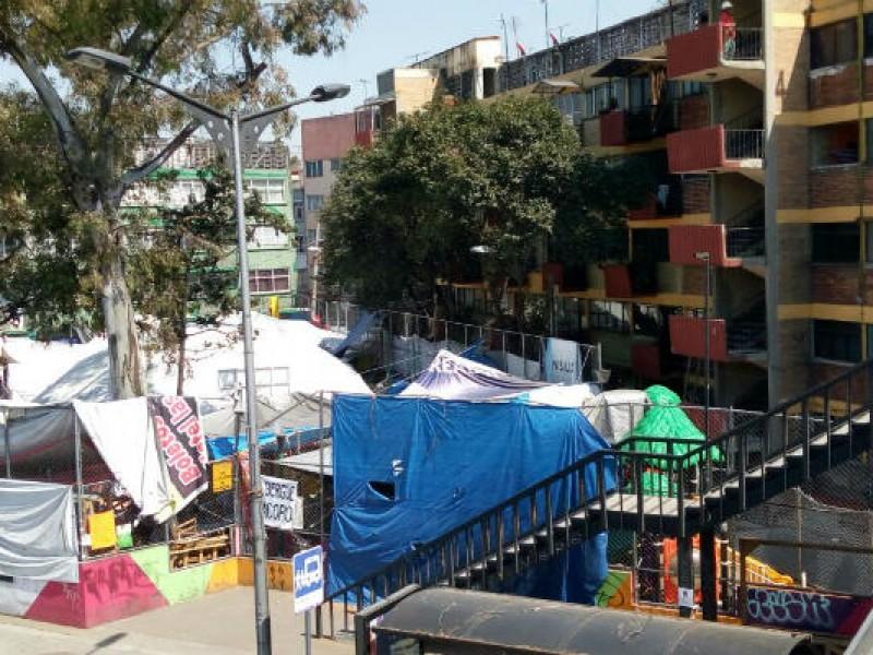 Damnificados de Multifamiliar Tlalpan denuncian robo a viviendas