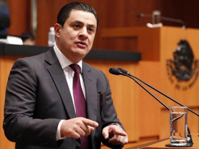 Dan pensión 'dorada' al exsenador y morenista José María Martínez