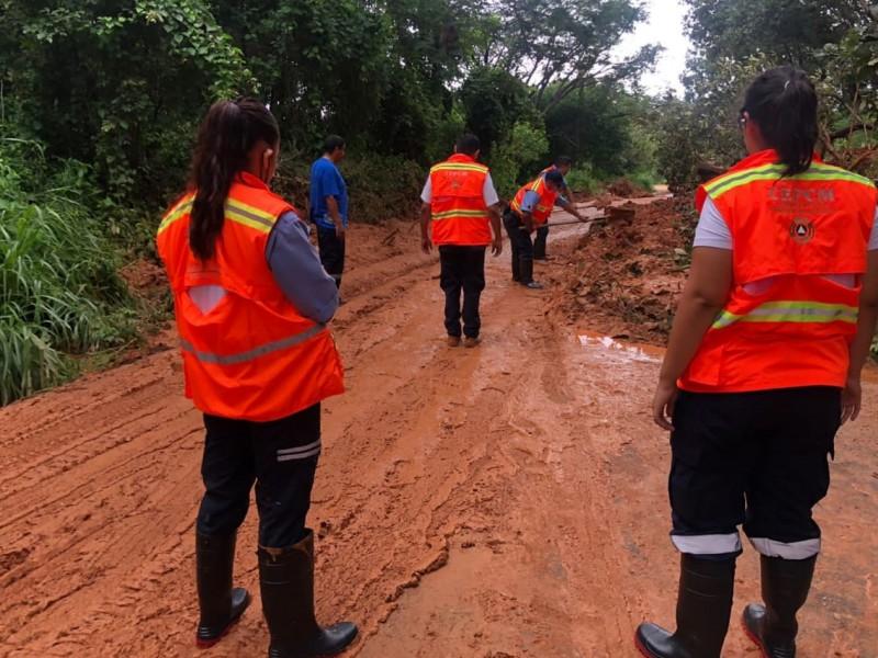 Dañados 11 tramos carreteros tras paso de Nora por Michoacán