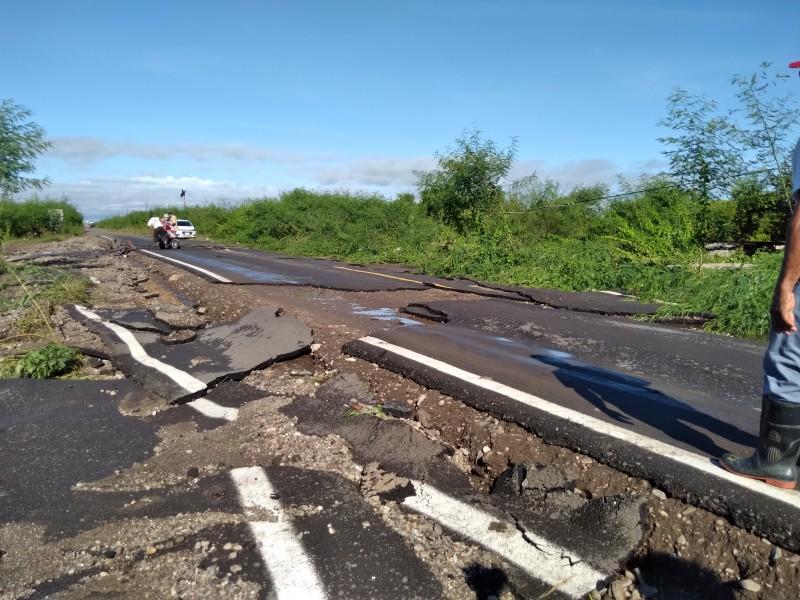 Daños en carretera de Unión Hidalgo tras lluvias