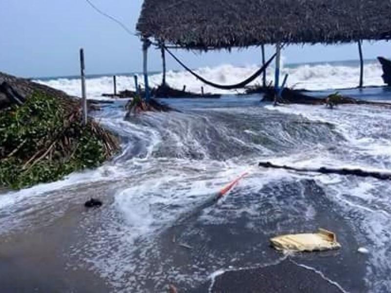 Daños y un deceso deja mal tiempo en playas chiapanecas