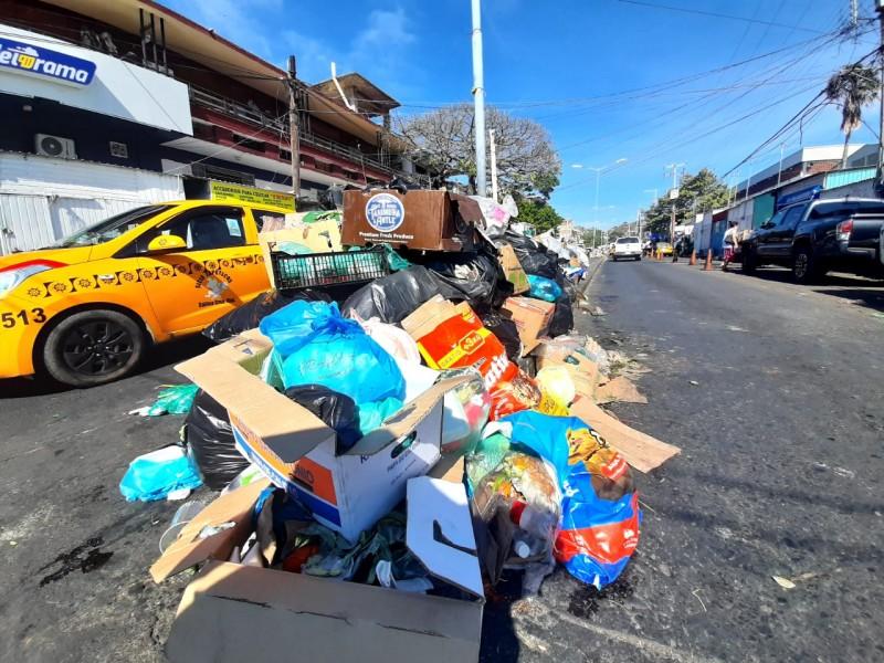 De nueva cuenta Salina Cruz se llena de basura