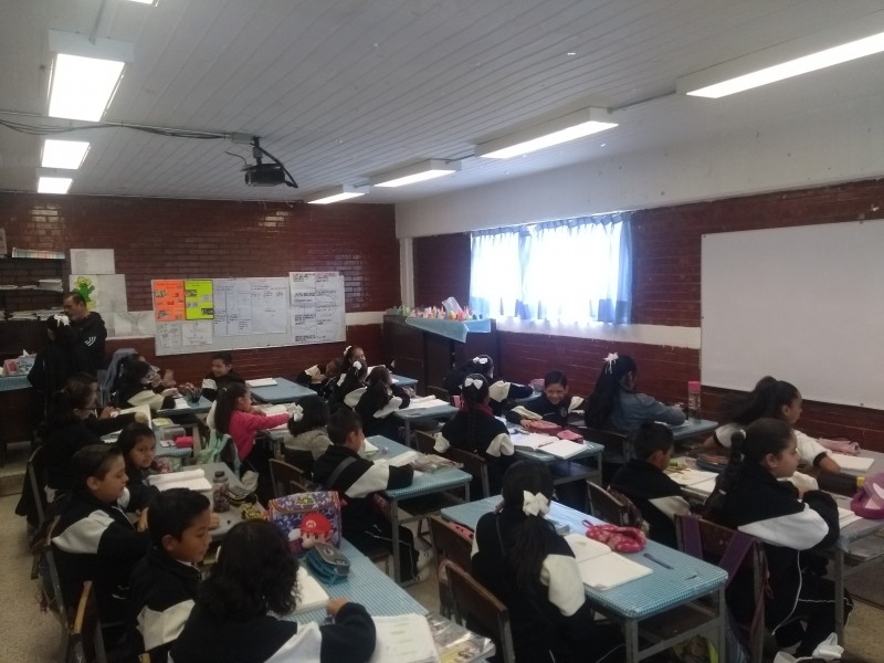 De ocho a 80 mil pesos ganan maestros