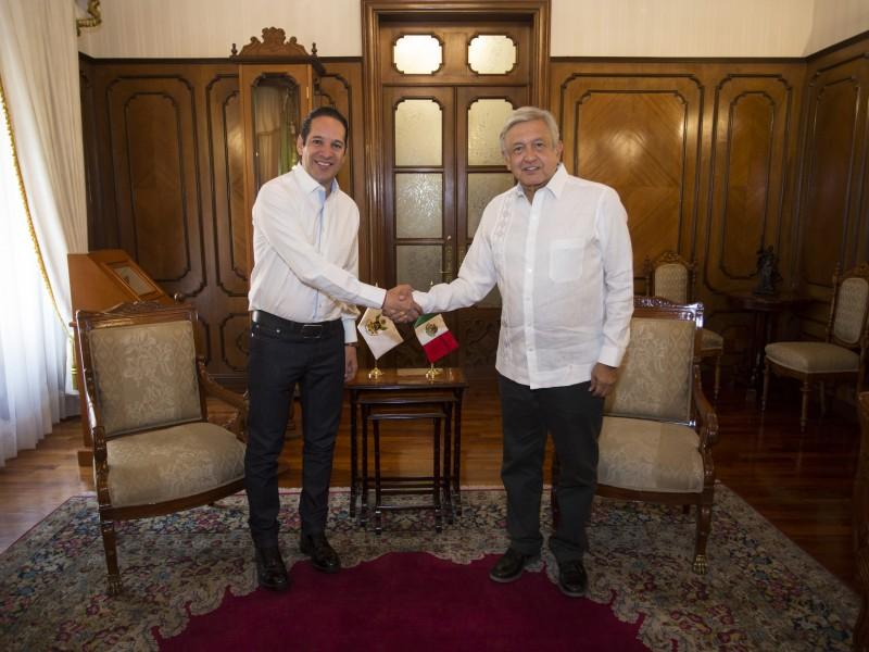 Se reúne gobernador de Querétaro con AMLO