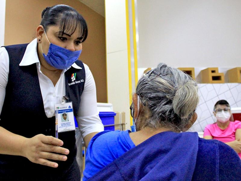 Debe población mantener medidas sanitarias aún con vacunas