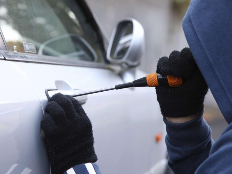 Deben reparar daño ante robos en estacionamientos