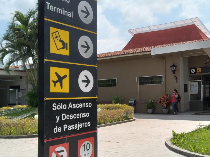 Decae conectividad aérea en Colima; urge reactivación como destino turístico