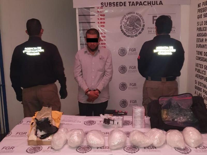 Decomisa FGR ocho kgs de metanfetaminas en Chiapas