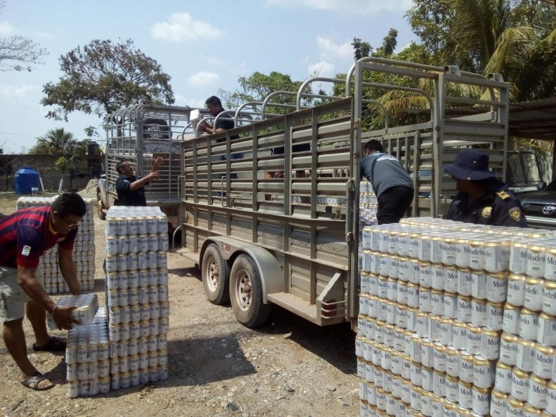 Decomisan autoridades cargamento ilegal de cervezas