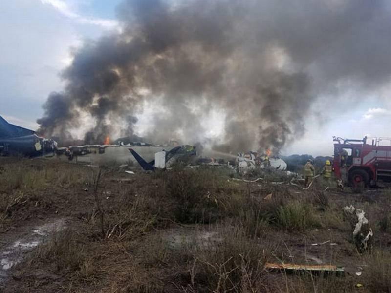 Defenderán derechos laborales de pilotos despedidos de Aeroméxico