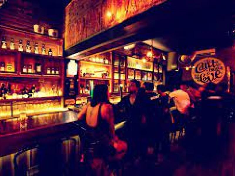 Defiende Guzmán pagos en restaurantes y bares con fondo covid