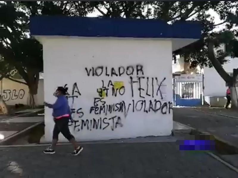Dejan pintas y carteles, previo a evento de Félix Salgado