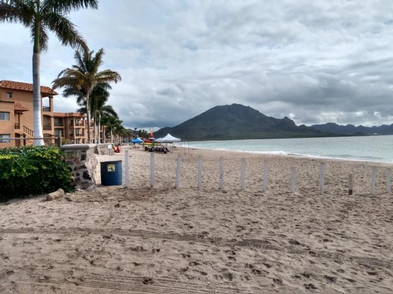 Delimitan acceso a Playa afectando turismo