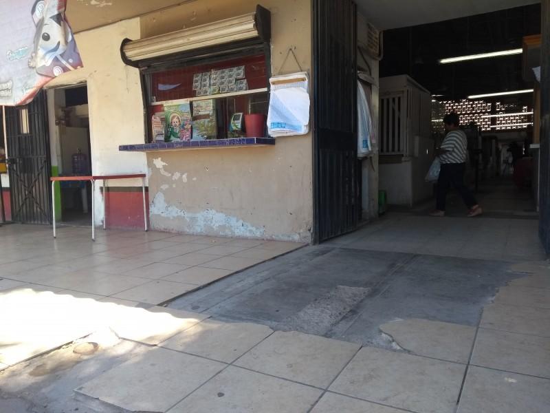 Demandan atención comerciantes de Empalme