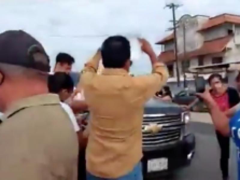 Demandan empleos  a López Obrador en Loma Bonita