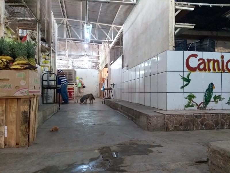 Demandan mejorar condiciones del mercado municipal San Blas