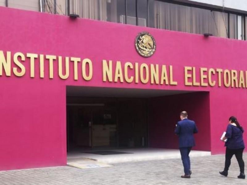 Democracia no es obra de un hombre: INE
