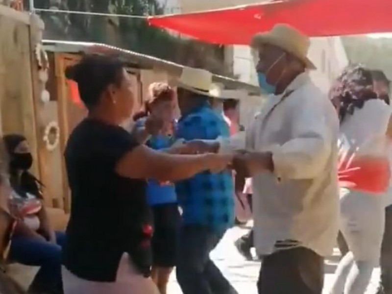Denuncian celebración de calenda en San Juan Chapultepec Oaxaca