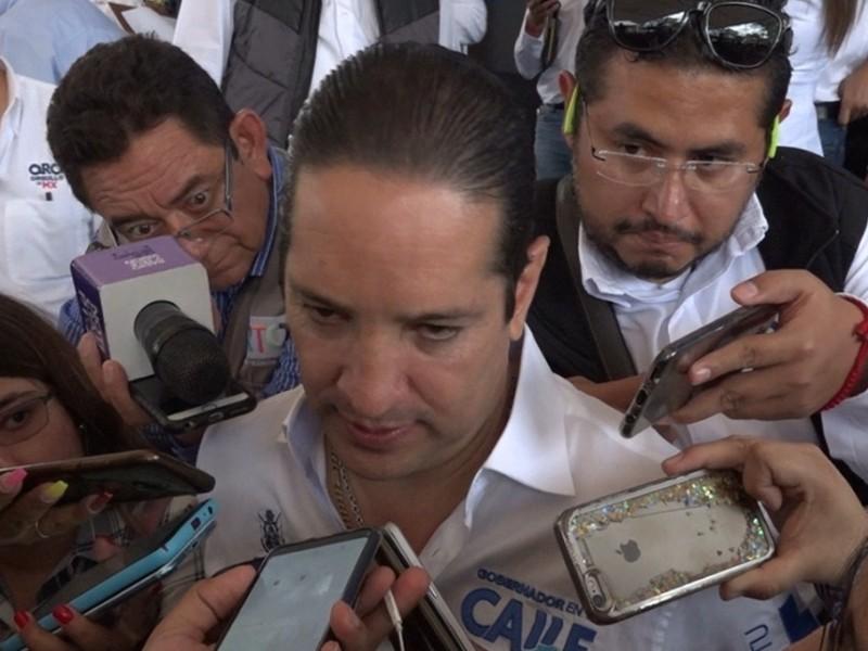 Denuncia gobernador a Sergio Bustamante