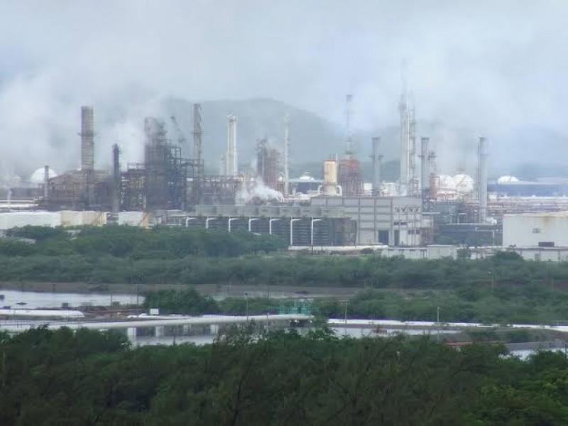 Denuncia pobladores contaminación ambiental generada por Pemex