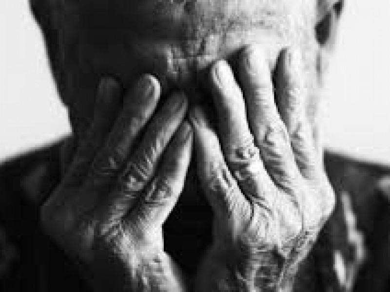 Denuncian 5 casos de abandono a adulto mayor