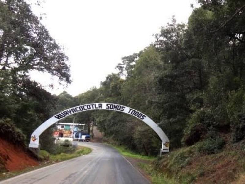 Denuncian a alcalde de Huayacocotla de condicionar el voto