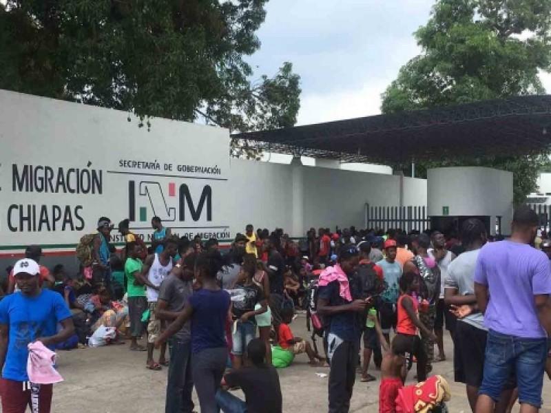 Denuncian a personal de migración por cobrar visas humanitarias