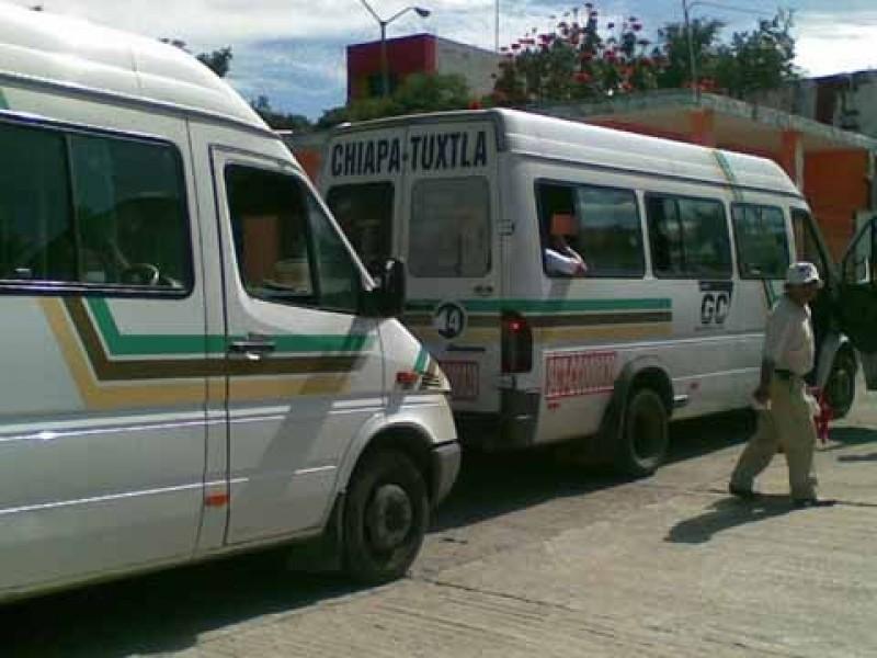 Denuncian a transportistas por irregularidades