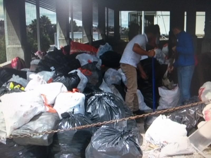 Denuncian acumulación de basura en Derecho