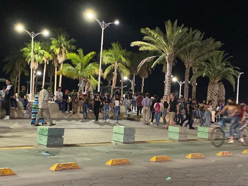 Denuncian aglomeraciones en el malecón de La Paz