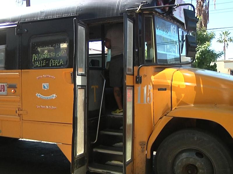 Denuncian aglomeraciones en el transporte público