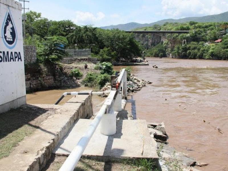 Denuncian agua contaminada en el Barrio Colón en Tuxtla