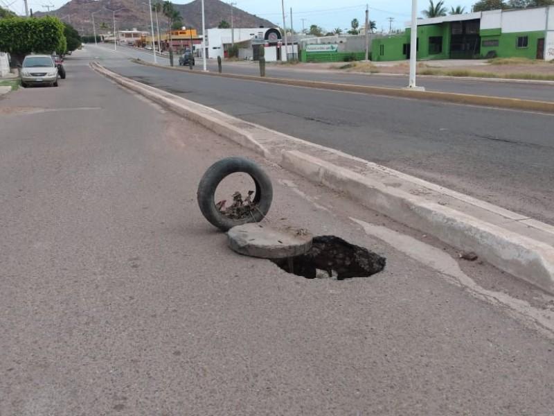 Alcantarillas en mal estado, un riesgo para automovilistas
