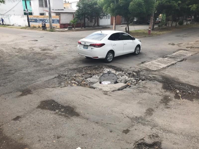 Denuncian Avenida Veracruz en pésimo estado
