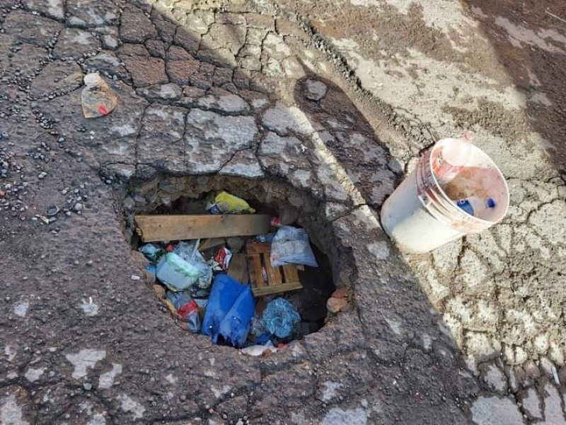 Denuncian ciudadanos destrucción de calles que rodean Hospital IMSS-Tepic