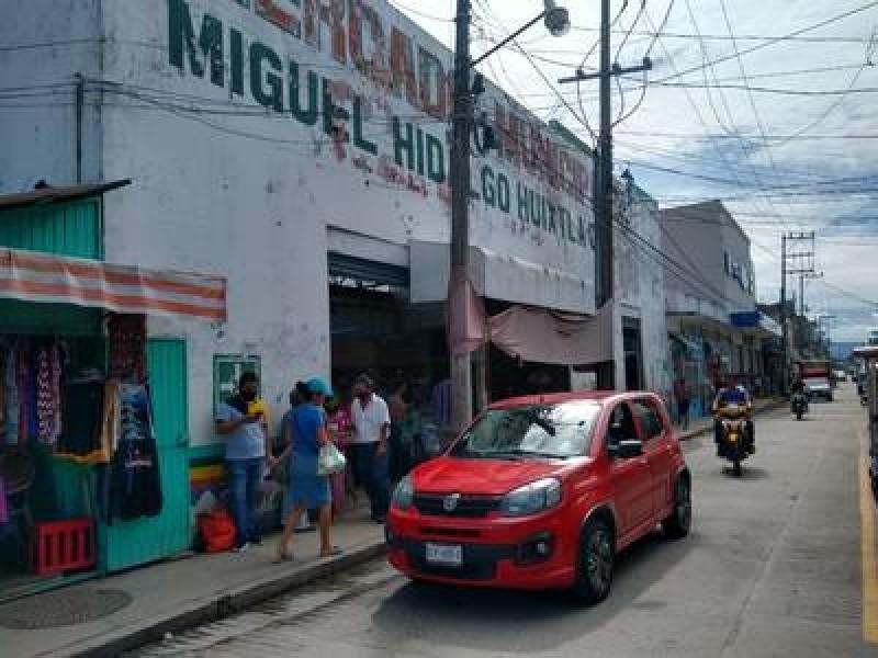 Denuncian comerciantes, riesgo ante venta de pirotecnia en Huixtla