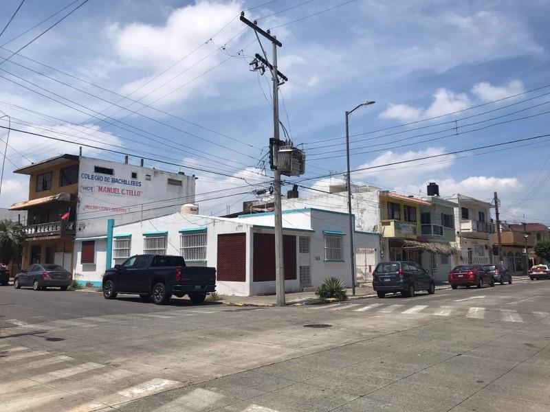 Denuncian constantes apagones en col. Flores Magon de Veracruz