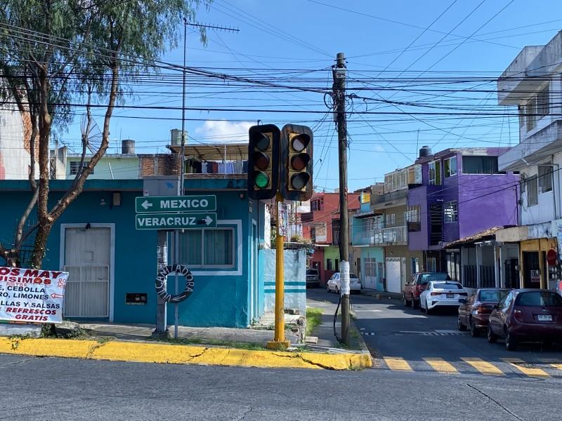Denuncian fallas en semáforos de Arteaga y 20 de Noviembre