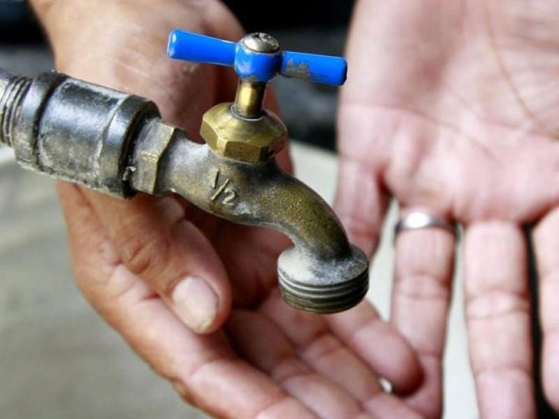 Denuncian falta de agua en la H. Casas