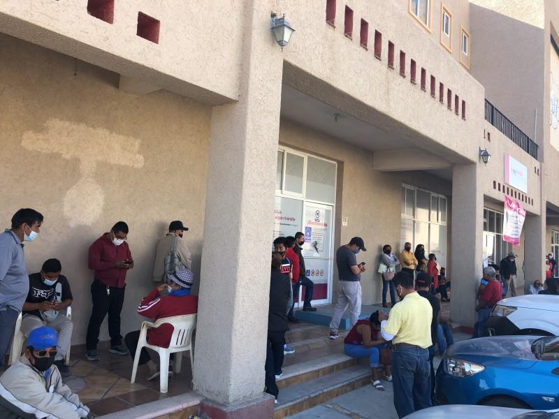 Largas filas se registran en oficinas del INE