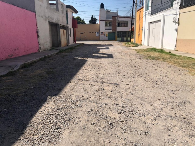 Denuncian falta de pavimentación de calle Eucaliptos en #GranjasSanIsidro