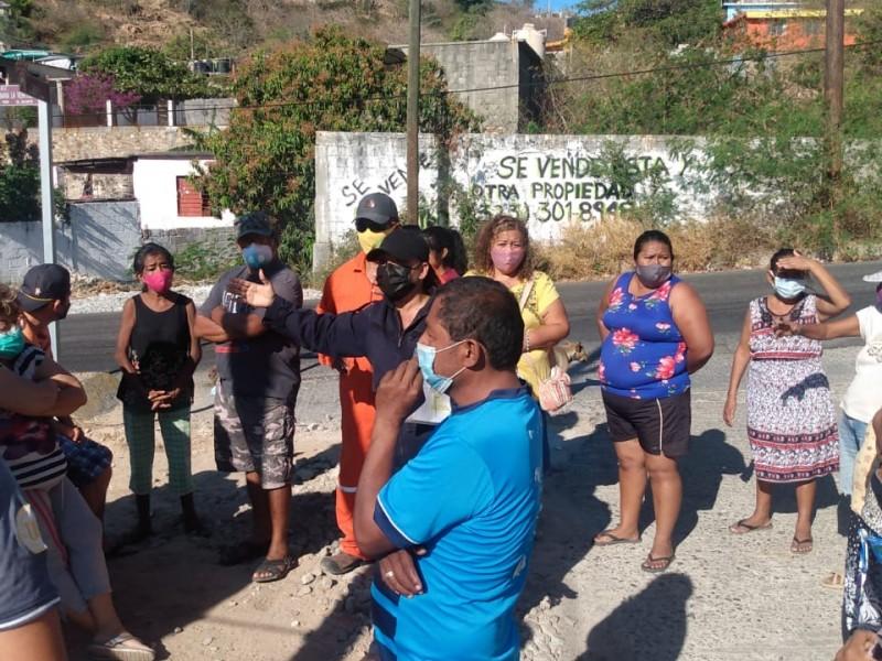 Denuncian intento de apropiarse de espacio público en Salina Cruz
