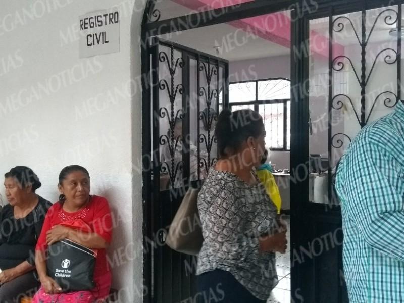 Denuncian irregularidades de atención en Registro Civil Tehuantepec