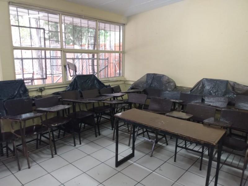 Denuncian pesimas condiciones de aulas en secundaria Antonio Rosales