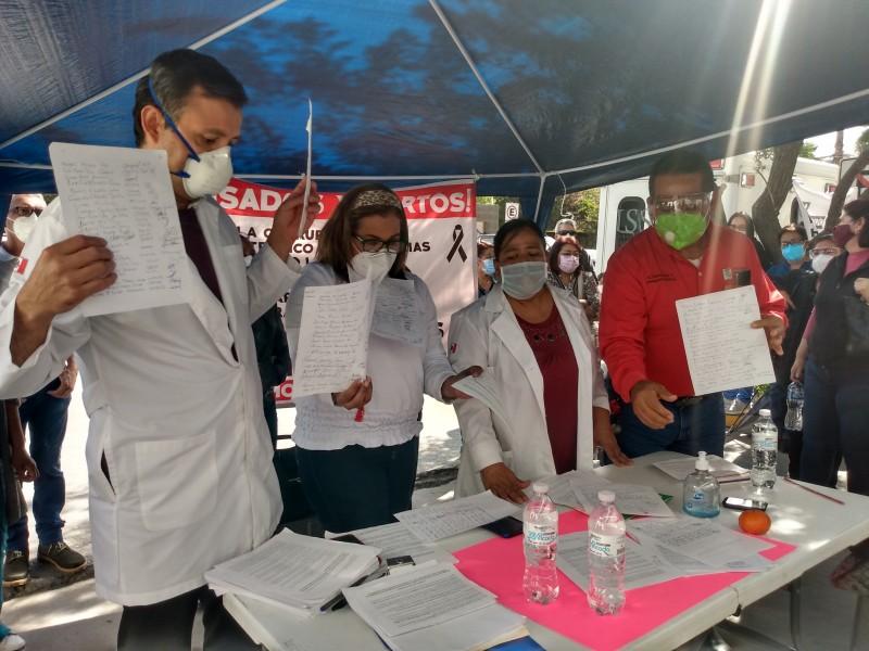 Denuncian represalias tras protesta contra director del ISSSTE Torreón