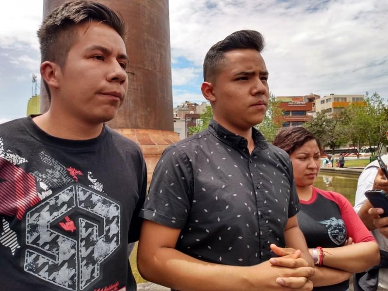 Denuncian retención a 3 normalistas sanmarqueños por municipales