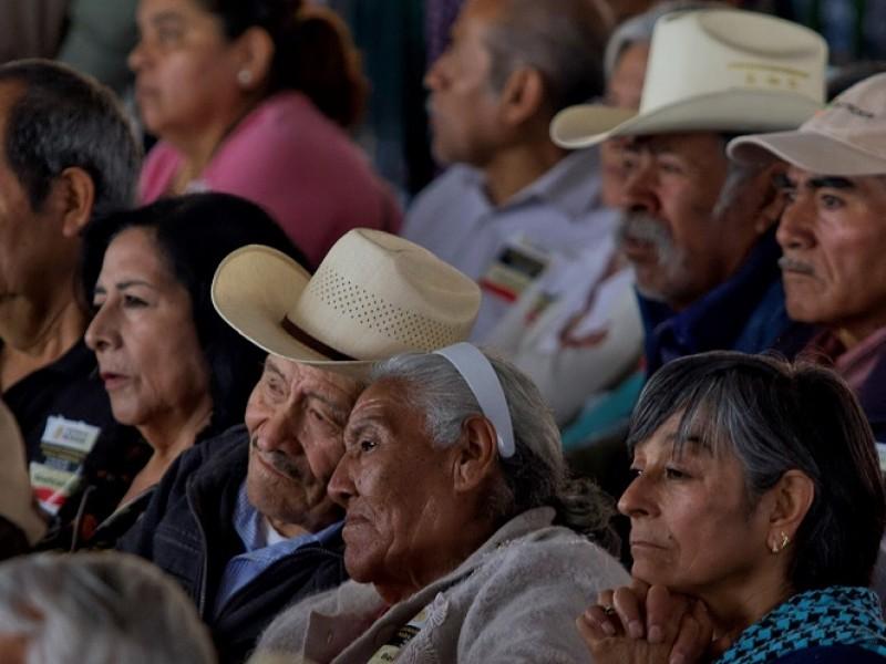 Denuncian robo de pensiones adultos mayores de Sahuayo