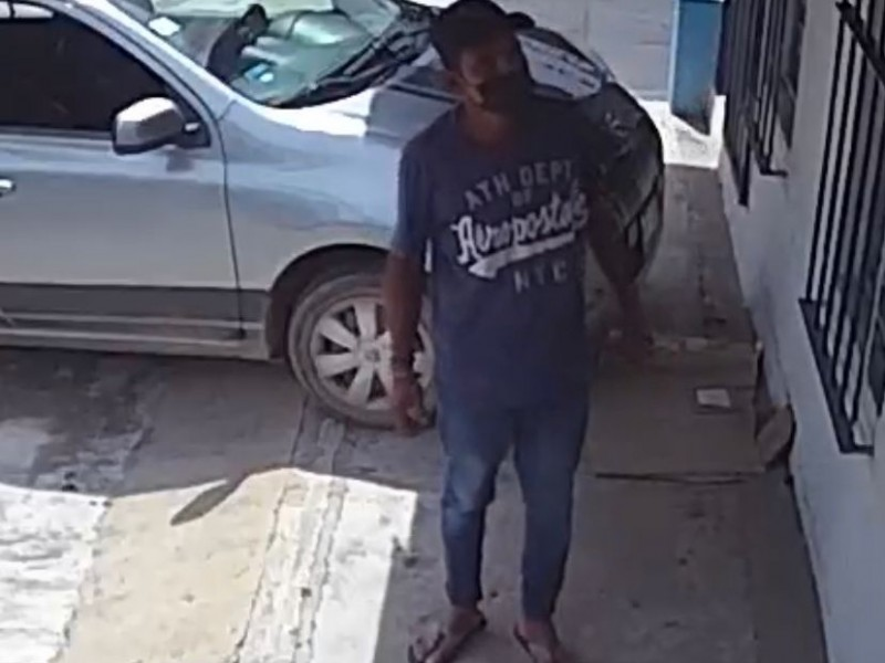 Denuncian sujeto que roba en centro de Zihuatanejo