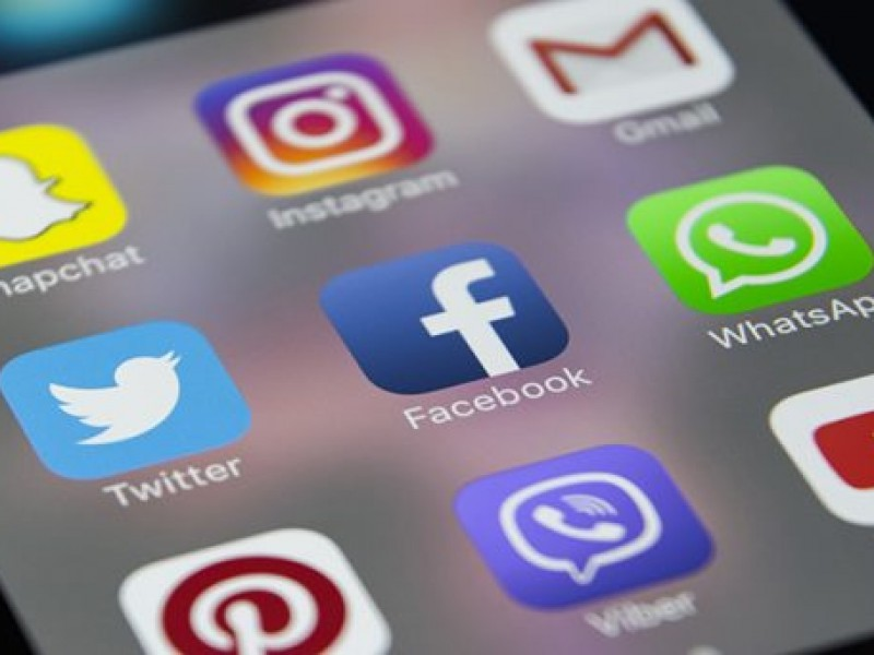 Dependencia a redes sociales causa depresión infantil